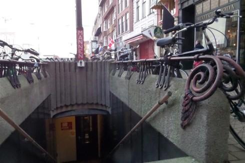 Openbaar Toilet op de Grote Markt. Foto door Ron Conijn