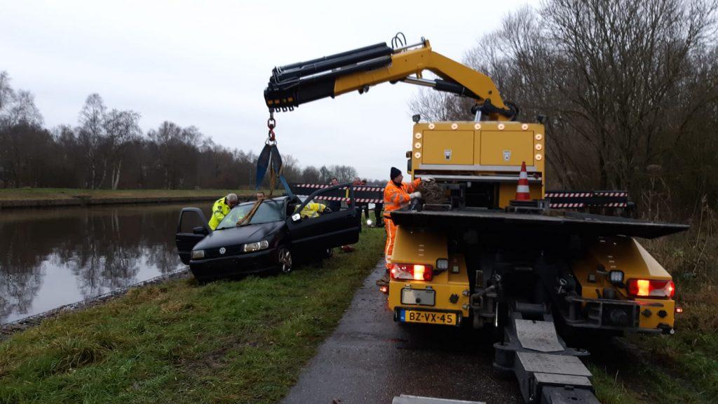 auto te water NW kanaal Meerweg 3
