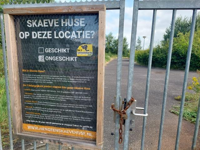 "Dorpsvereniging Scharmer wil geen Skaeve Huse: ""Gemeenteraad, doe het niet""  - OOG Radio en Televisie"